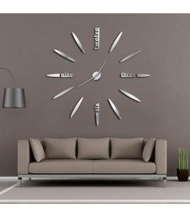 ساعت دیواری طرح استیو (نقره ای)