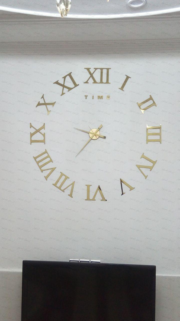 نمونه نصب شده ساعت دیواری طرح لئوناردو طلایی