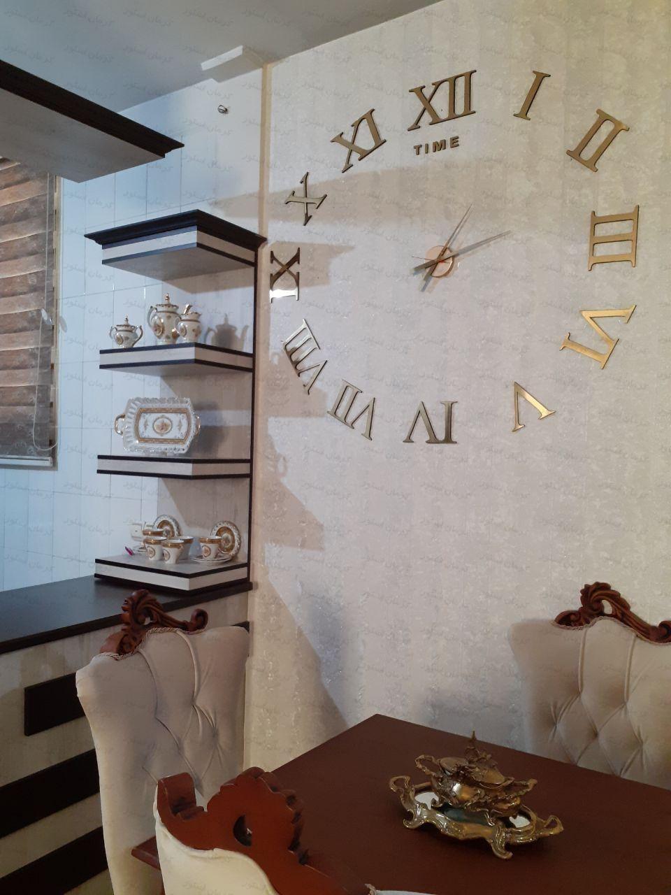 نمونه نصب شده ساعت دیواری فانتزی طرح لئوناردو